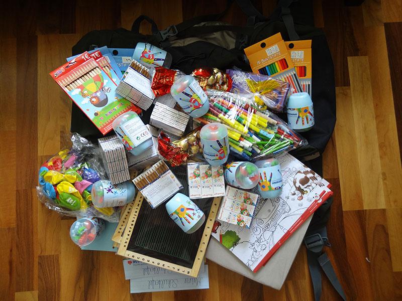 Mein Packrezept: 5% Reiseapotheke, 15% Kleidung und 80% Buntstifte