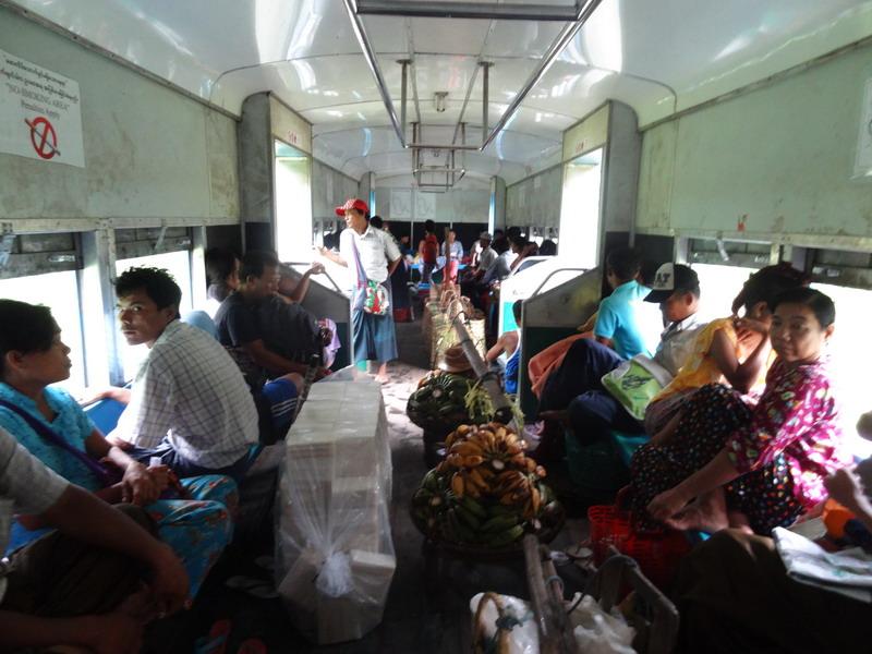 die Abenteuer des Alltags: Zugfahren in Yangon