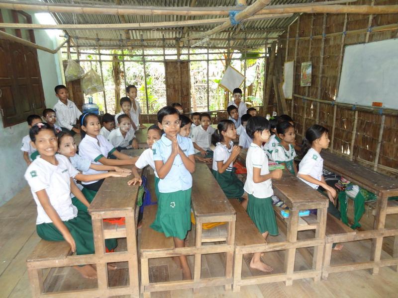 Die Kinder in ihrer Klasse